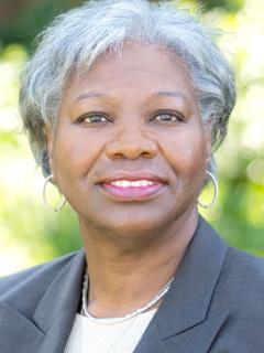 Fayneese Miller